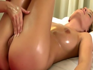 Massage for model gets the finger from her masseuse
