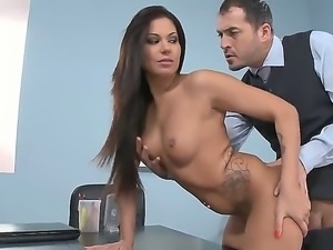 Amateur galfriend Cipriana being licked her clitories by James then fucked...