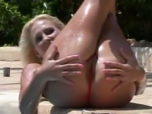 Blonde Bikini Babe