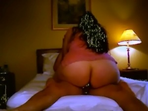 AMATUER  BBW LATINA WITH BIG BEAUTIFUL ASS HAS SCREAMING ORGASM free