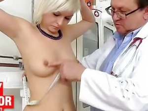 Aged gyn doctor spreads young Lily pussy