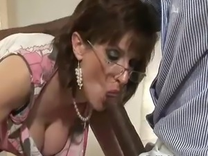 Pussy toying mature bristish Lady Sonia sucks big black dick