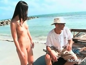 Slim horny babe flashing cunt outdoor looking for a huge cock