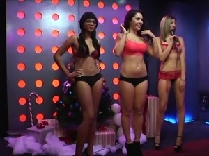 sexy girl open gifts @ season 1, ep. 410