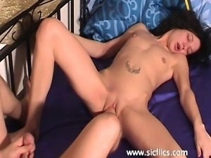 Extreme amateur whore is foot fucked in her loose gaping pussy by her boyfriend