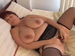 Sexy amateur mature BBW has some lovely big tits a fat juicy pussy