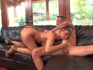 Long haired blonde bombshell Devon Lee with gigantic juicy knockers and huge...