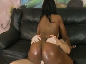 Big ass ebony whore riding white cock
