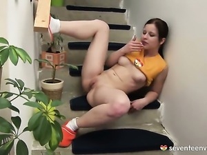 Lussy is full of desire to masturbate with toy