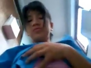 malay budak sekolah main dlm jamban pancut dalam