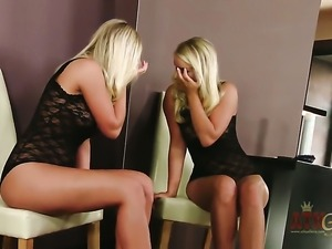 Blonde Miela with clean muff has some time to play with herself on cam