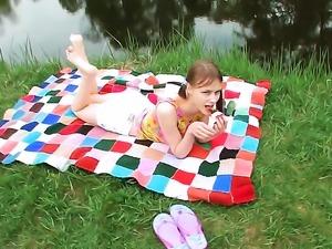 Beata groans as she dildo fucks her pussy