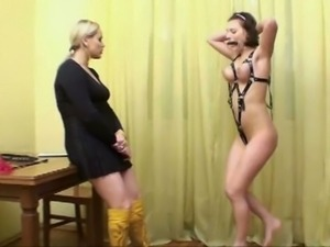 This submissive hottie performs nude exercises