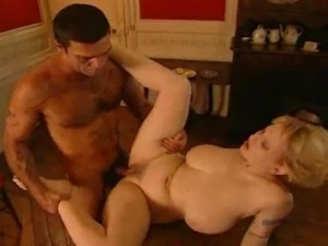 Carolina Spagnoli is a sexy curvy petite treat.
