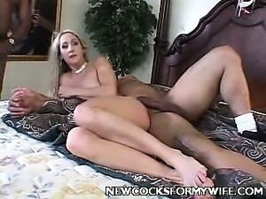 Ebony Housewife Outdoor Striptease