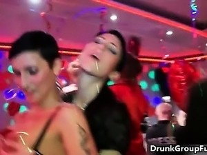 Drunk hot women sucking big cock