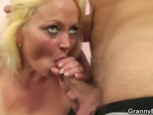Stranger nails her old hairy snatch