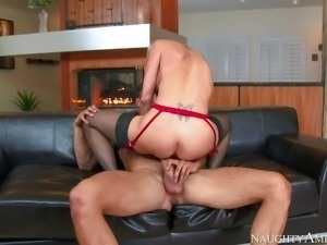 Lingerie-clad blonde milf Brandi Love with incredibly sexy body shows off her...