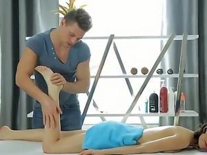 Hardcore actionas the beautiful brunette Neona gets a very sexy massage by a...