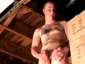 Straight amateur jerks off in the garage