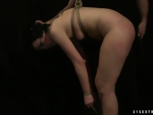 Teen Melissza cant resist the desire to take his hard cock in her bush