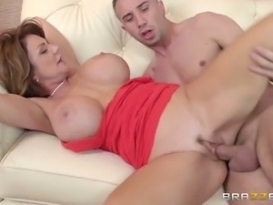 Deauxma loves to get analized