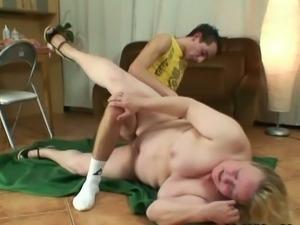 Granny blows young cock non-stop