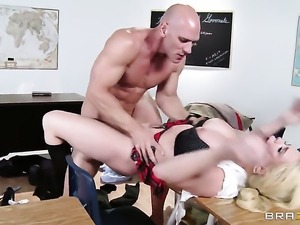 Johnny Sins uses his throbbing dick to make Alexis Ford happy