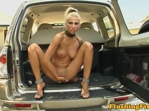 Solo lesbian fisting her gaping hole and cant get enough