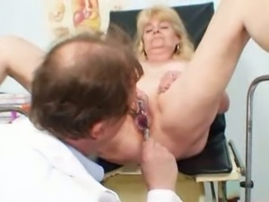 Granny goes for a thorough pussy examination