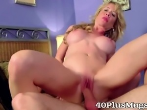 Blonde mature divorcee does it rough and hardcore with her new boyfriend
