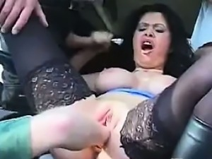 Loose Pussy Getting Fisted