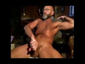 Hard-bodied daddy's webcam jack-off