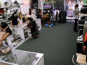 Hawt latina beauty wanting to sell stolen phones