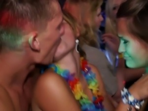 Drunk chicks doesn't mind fucking in a sex party