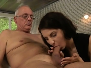 Old fart fucks young whore brunette in ass