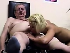 Young blonde hottie gets pumped by her old coach at the gym