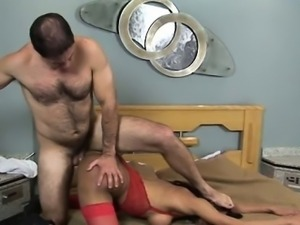 Depraved pretty tranny gets the whole ride
