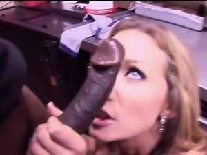 Busty MILF Nikki Sexx tries a black cock