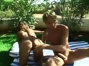 Amateur Arab Beauty Having Sex Outside