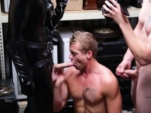 Bizarre pawnshop threeway with straight dude