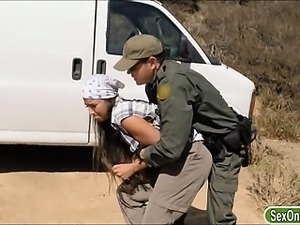 Busty amateur slut fucked and facial by border patrol agent