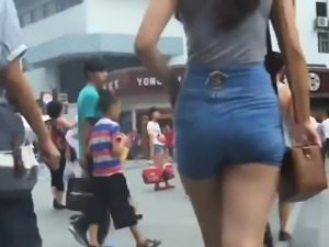 Chinese Girls Beautiful Butt Checked Out