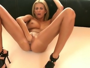 Horny amateur first cum swallow