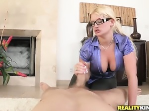 Blonde Julie Cash is in the mood for fucking and spreads for hard dicked fuck...