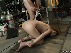 Redhead shows her love for tool sucking