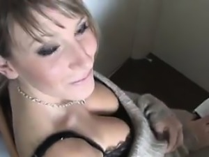 This Girl Shows Off Her Beautiful Breasts