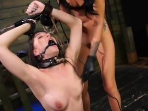 FetishNetwork Alexis Rodriguez get sybian domination