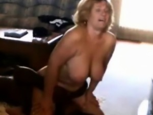 Cuckold Wife Sits on a Black Guy\'s Face