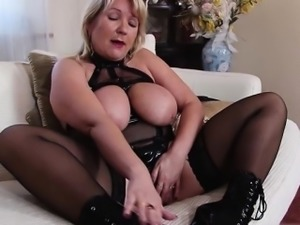 Sexy daughter blowjob cum in mouth
